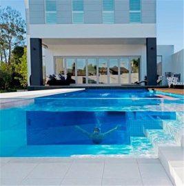 Aangepaste deursigtige akriel dik plexiglas lakenpaneel vir swembadprojek