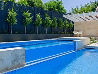 swembad met swembad